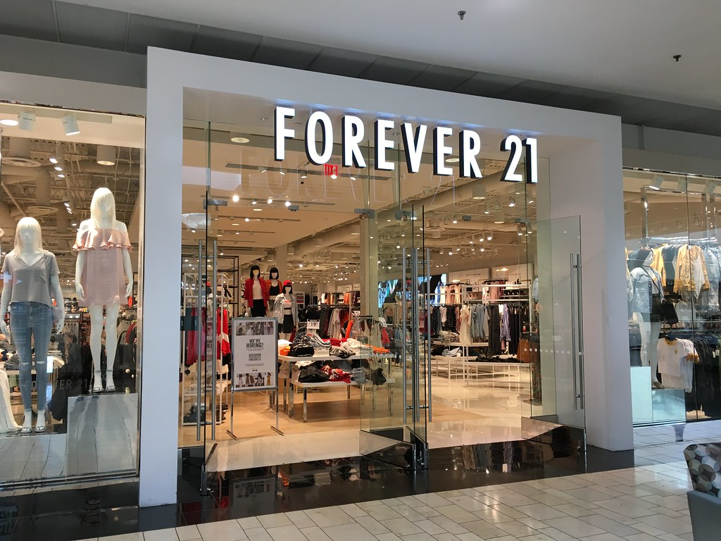 A picture of a Forever 21 shop front. IMG: Phillip Pessar